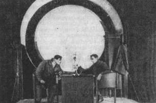 Сцена из спектакля «Рельсы гудят». Театр МГСПС. 1928